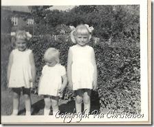 3 ens klædt søskende