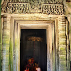"Thommanon - Inner door lintel of the ""madapa"" - ""Vishnu garudavahana"" - The god Vishnu is standing on his mount (vahana), the man-bird Garuda, who has his hands joined together in worship, Siem Reap, Cambodia - http://www.Devata.org"