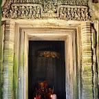 "Thommanon - Inner door lintel of the ""madapa"" - ""Vishnu garudavahana"" - The god Vishnu is standing on his mount (vahana), the man-bird Garuda, who has his hands joined together in worship, Siem Reap, Cambodia - http://www.Devata.org"