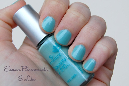 Essence Blossoms LE Nagellack I Like Swatch