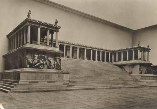 1950-BERLIN-MUZESI-BERGAMA-ANITI-KARTPOSTAL__659634_0.jpg