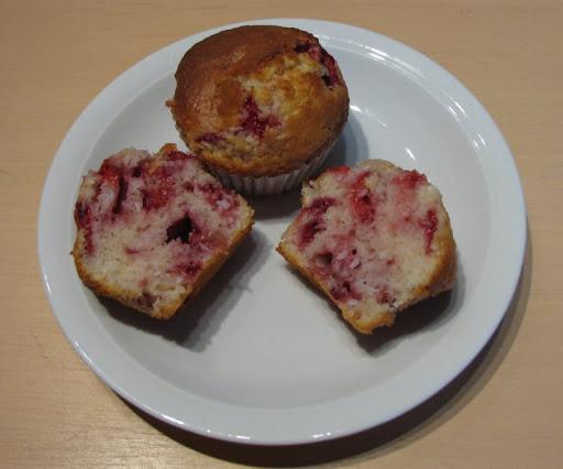 muffins aux fraises  et à la noix de coco IMG_8717