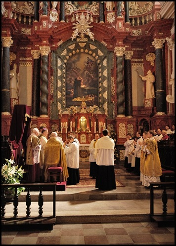 Misa Pontifical 2
