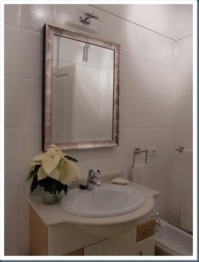 Cande cosas como pintar azulejos en un cuarto de ba o - Pintura para azulejos del bano ...