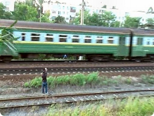 Dangerous Play by Russian Teens in railway track (5)