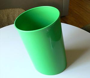 In Attesa wastebasket, green