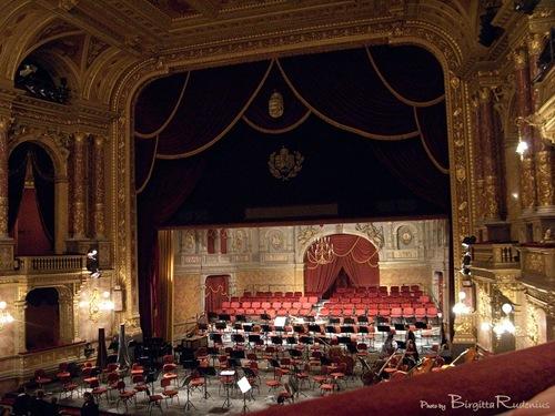 opera_20110221_1