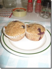 blueberry banana muffins 01