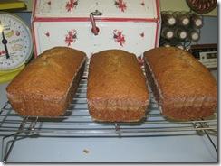 zucchini bread 01