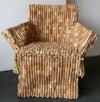 chair from recycled wine corks Un corcho, dos corchos... mil corchos