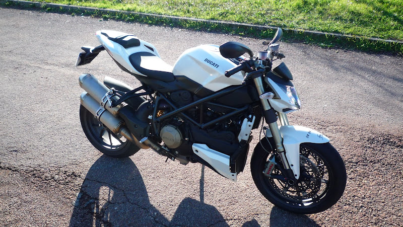 topic officiel ducati streetfighter