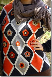 Maglione con fiori di feltro-5