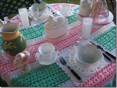 pink and green table 021