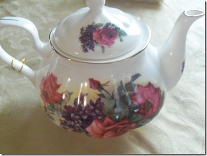 Matching teapot gift tea 002
