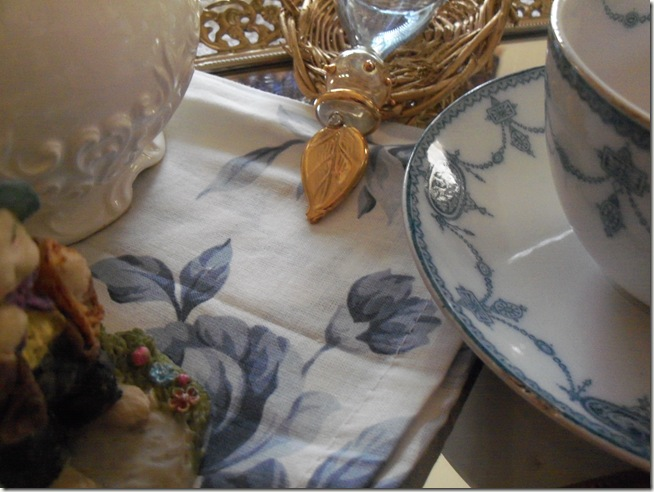 Antique blue teacup 016