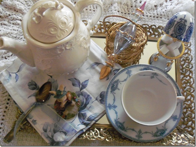 Antique blue teacup 001