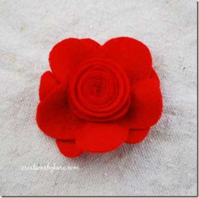 felt-flower-hair-clip-tutor