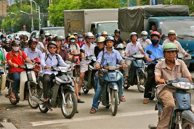Motorbike Lifestyles in Vietnam, motorbikes in vietnam