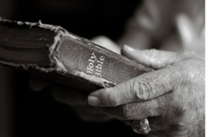 bible_old_hands2