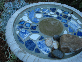 DIY Mosaic Birdbath