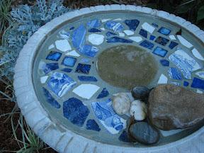 DIY Mosaic Birdbath