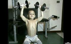Anak Terkuat di Dunia 1 - fedoce