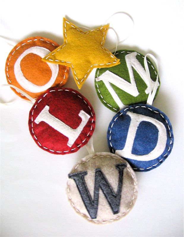 DIY monogrammed felt Christmas ornaments