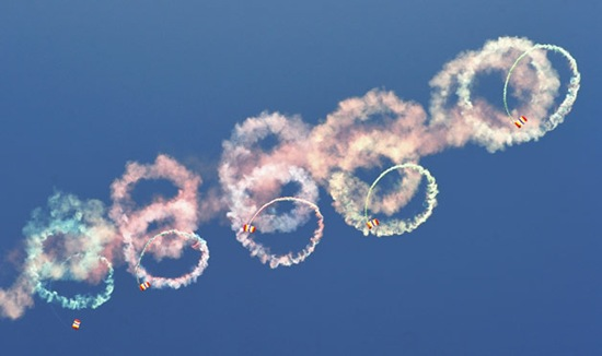 03-Airshow-ing-Off-skydiving-lifestyle