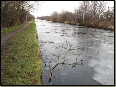 The Bridgewater Canal in Timperley - 21 January 2010