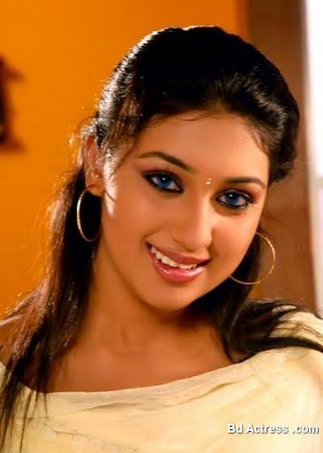 Bangladeshi Actress Apu Biswas-07