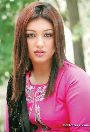 Bangladeshi Actress Apu Biswas-10