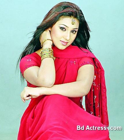 Bangladeshi Actress Apu Biswas-19