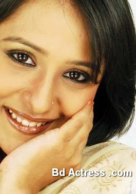 Bangladeshi Actress Opi Karim-12