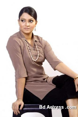 Bangladeshi Actress Richi Solaiman-22