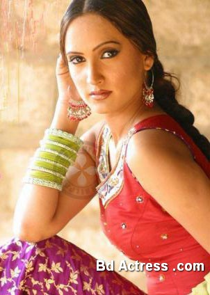 Pakistani Actress Rubab Photo-01