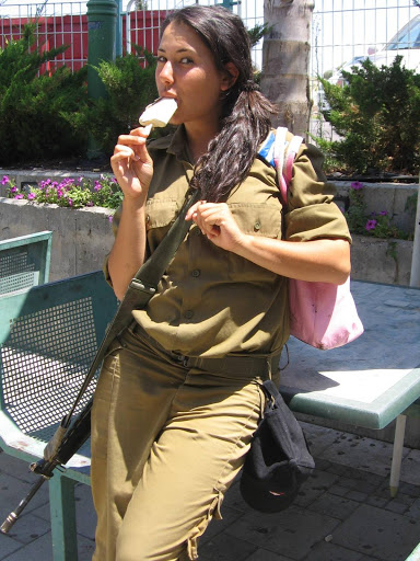 Israeli-Forces-Girls01.jpg