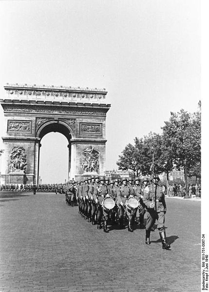 Paris,_Parade_deutscher_Soldaten.jpg