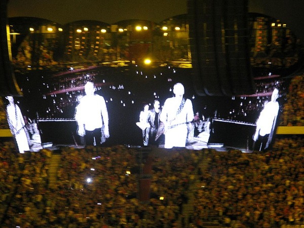 U2-Feb11 066