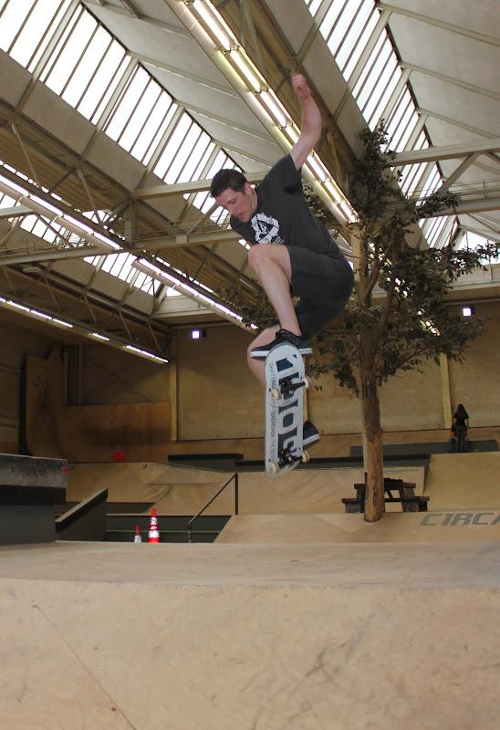 Training: Skate distraction