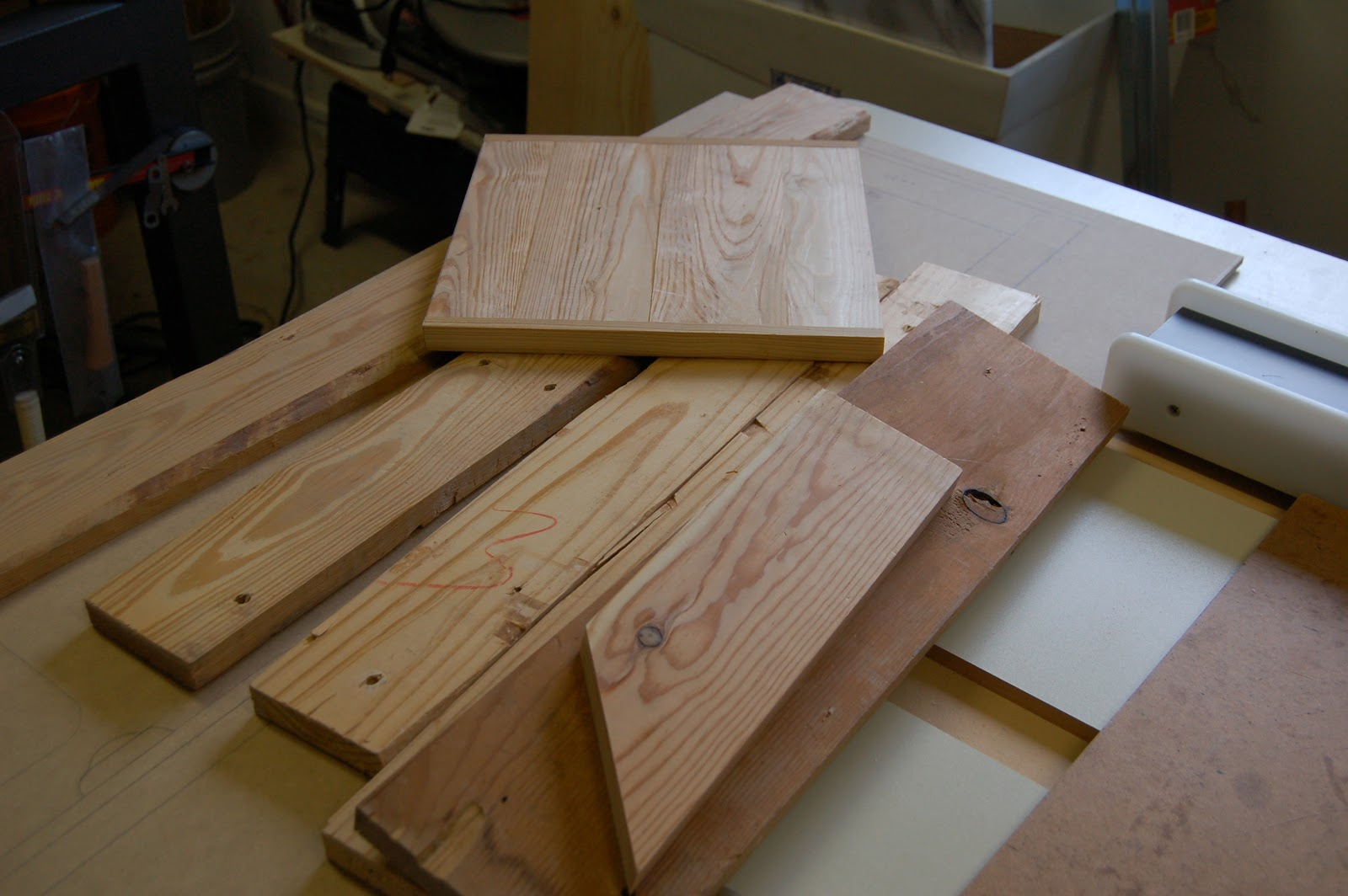 turn scrap wood into a project woodworks made easy. Black Bedroom Furniture Sets. Home Design Ideas