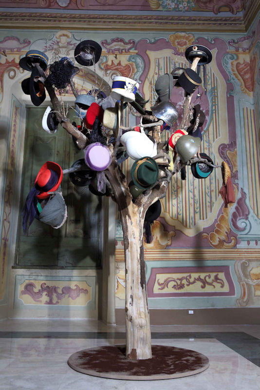 La guerra non è finita. 9 artisti x Napoli Milionaria.