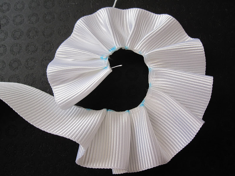 Test pleats. The pleats at the beginning are tighter than at the end.