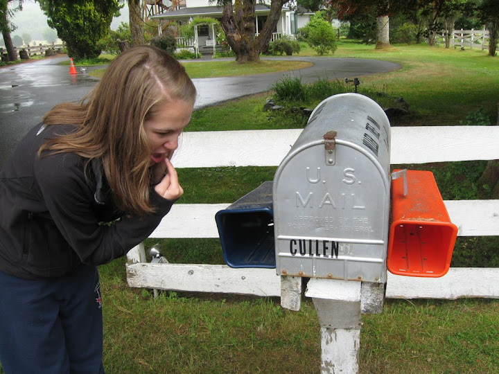 Next Stop on the Forks Twilight Tour -- The Cullen House! Address: 654 E Division St. Forks Washington ~ Check out the Cullen\u0027s mailbox