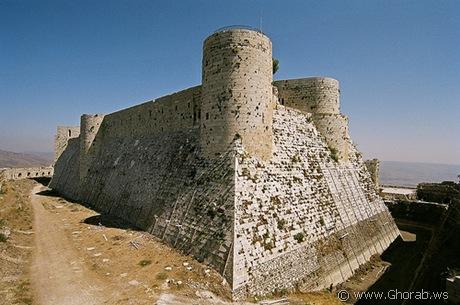 أجمل 42 قلعة حول العالم  Crac_des_chevaliers%5B6%5D