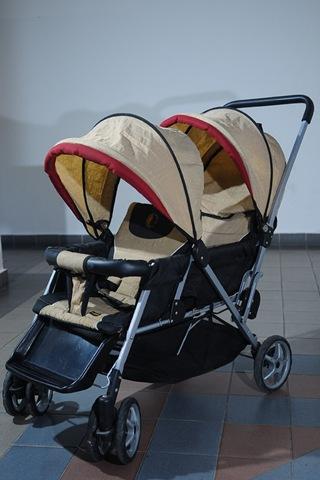 [twin_stroller1.jpg]