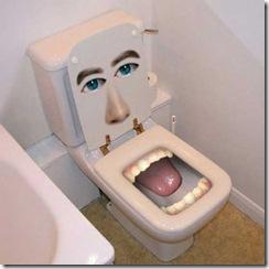 bite_me_toilet_300
