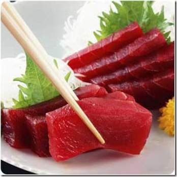 tuna-raw-chopsticks