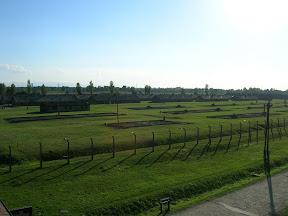 172 - Auschwitz II - Birkenau, desde la torre de la entrada.JPG