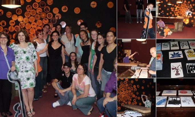 Exibir Coquetel comemorativo à Adesivagem no Teatro Renascença e Sala Álvaro Moreyra - 2ª Bienal B