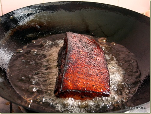 deep frying pork belly for khau yoke